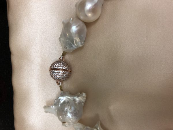 Small White Baroque Fresh Pearl Necklace with Amazone