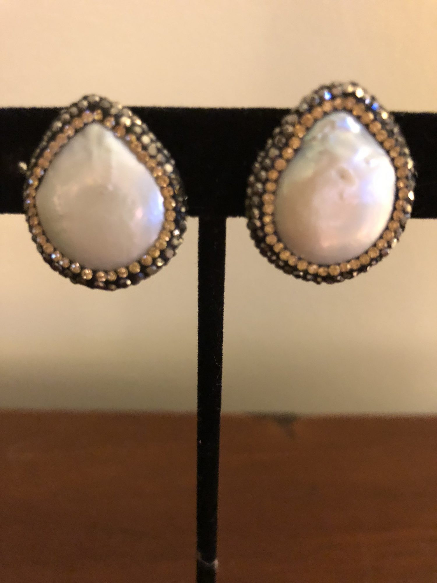 Mother Of Pearl Cllip On Earrings