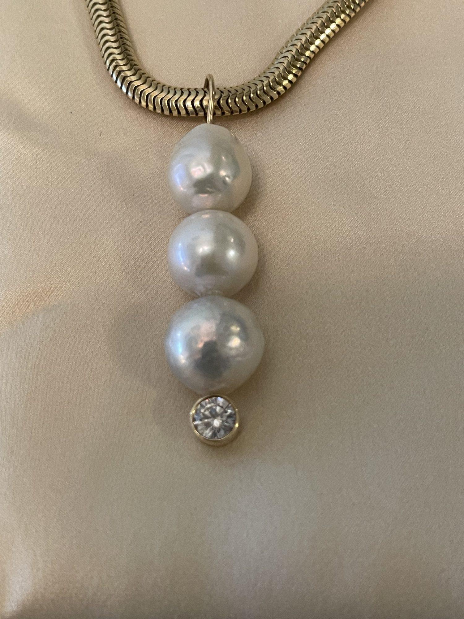 Baroque 3 Pearl Pendant