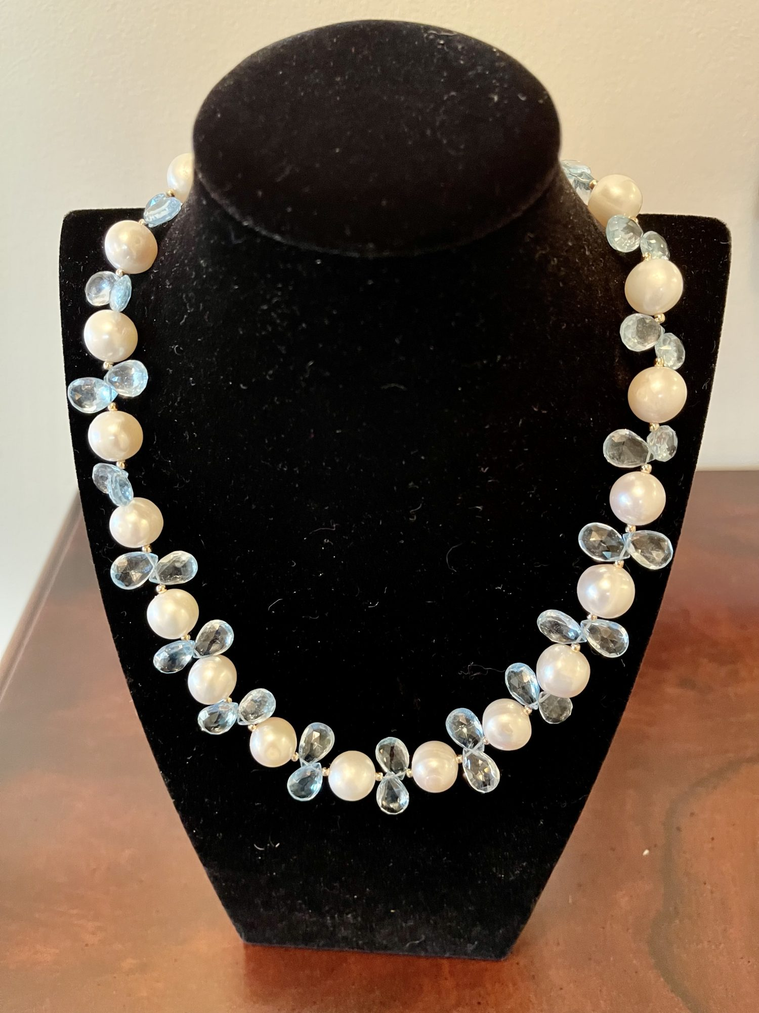 Freshwater Pearl necklace with Blue Topaz