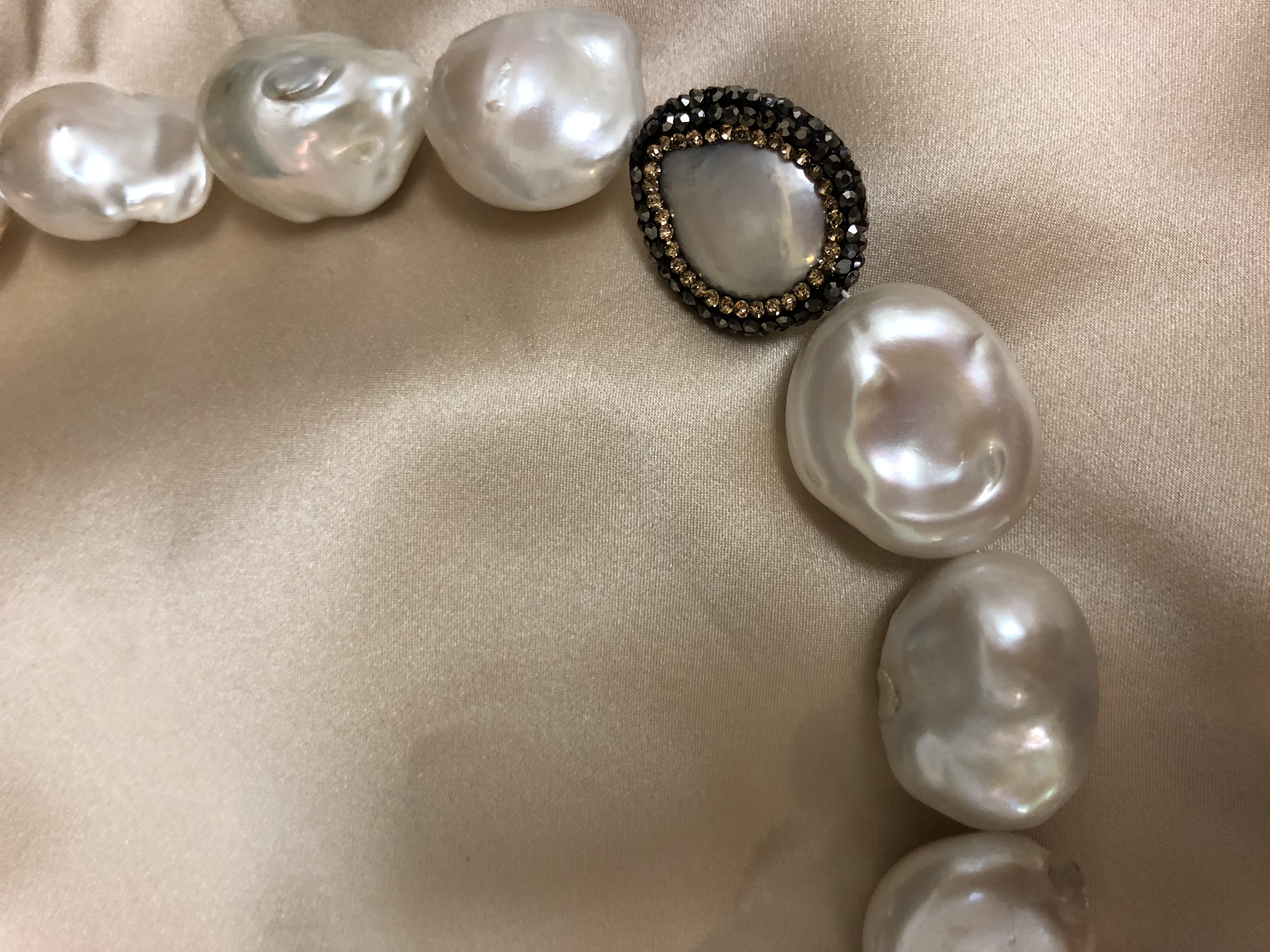 Mother Of Pearl >> Baroque Freshwater Pearl Necklace with Mother of Pearl - Luxury Lustre